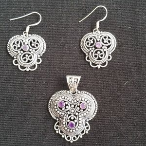 Very Chic Pendant and Earrings